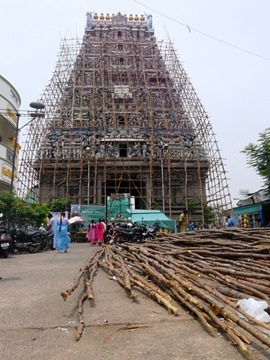 如果只是路过,我们还会以为它是一座普通的庙宇而已。